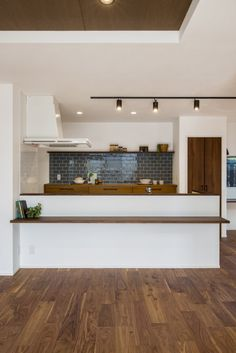 My Living Room, Home And Living, Interiors Magazine, Diy Kitchen Storage, Cafe Style, Kitchen Images, Interior And Exterior, Interior Design, Kitchen Design