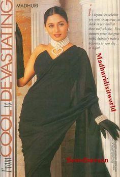 Photo Bollywood Outfits, Bollywood Fashion, Bollywood Makeup, Bollywood Actress, Madhuri Dixit Saree, Bollywood Wallpaper, Indian Aesthetic, Vintage Bollywood, Stylish Sarees