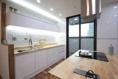 동탄아파트인테리어 능동 푸른마을두산위브 33평 인테리어: 레브디자인스페이스의 모던 주방