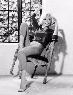 marilyn monroe outfits best outfits - Page 23 of 100 - Celebrity Style and Fashion Trends Marilyn Monroe 1962, Marilyn Monroe Outfits, Marilyn Monroe Artwork, Hollywood Actresses, Old Hollywood, 50s Actresses, Norma Jeane, Life Magazine, Up Girl