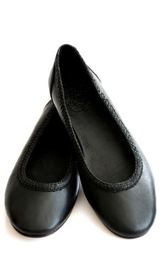 ELF - Black leather ballet flats. Flat shoes Aisé. Made of high quality leather.