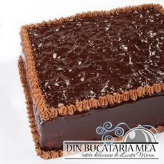 Un tort pe care l-am savurat de ziua mea, acum vreo doua saptamani, dar pe care nu am apucat sa-l postez la timpul potrivit;... Craving Sweets, Dessert Cake Recipes, Romanian Food, Sweet Pastries, Vegan Kitchen, Something Sweet, Vegan Desserts, Chocolate Cake, Food And Drink