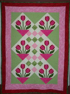 "Tulip Quilt by ""Damsel in DisDress"" from the quiltingboard.com"