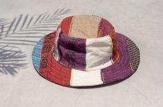 剛剛逛 Pinkoi,看到這個推薦給你:情人禮物 民族拼接手織棉麻帽 / 針織帽 / 漁夫帽 / 遮陽帽  - 撒哈拉沙漠色系手織棉麻 ( 限量一件 ) - https://www.pinkoi.com/product/AUEQpfX5