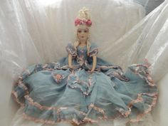 Ring lady with ring Marie Antoinette boudoir doll