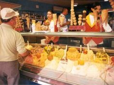 How to Order Gelato in Italy   Italy Travel Guide. VERY IMPORTANT.