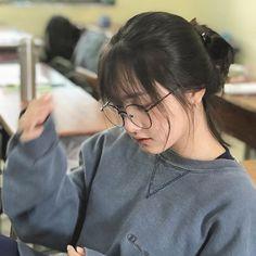 Cute Girl Face, Cool Girl, Hair Style Korea, Teenage Girl Photography, Cute Korean Boys, Ulzzang Korean Girl, Girl Short Hair, Just Girl Things, Girl Swag