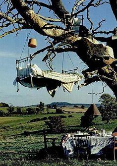 Tree Bed, Great Britain photo by Tim Walker ! Glamping, Tim Walker Photography, Instalation Art, Alice In Wonderland, Backyard, World, Outdoor Decor, Outdoor Living, Outdoor Bedroom