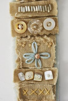 Art Quilt wristband using burlap by Rebecca Sower - Rebecca makes some wonderful patchwork bags using vintage pieces Textile Jewelry, Fabric Jewelry, Textile Art, Women's Jewelry, Button Art, Button Crafts, Fabric Art, Fabric Crafts, Quilt Modernen