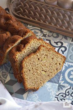 Gâteau au yaourt grec, pommes et farine complète - Bizcocho Integral de Manzana Pie Cake, Dessert Recipes, Desserts, Banana Bread, Muffin, Food Porn, Food And Drink, Gluten Free, Favorite Recipes