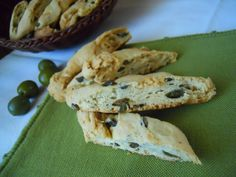 Cantucci olive e capperi, ricetta salata
