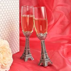 Eiffel Tower Champagne Flutes will add elegance to your first toast. Eiffel Tower Wedding Glasses for a Paris theme wedding.