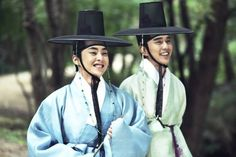 """Stills of XIUMIN's movie """"Seondal: The Man Who Sells the River"""" ❤ #EXO"""