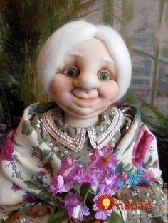 Na prázdnu fľašu navliekla staré silonky: Pár stehov a nikdy by ste nepovedali, že toto bol predtým obyčajný odpad! Wool Needle Felting, Bear Art, Nylon Stockings, Soft Dolls, Soft Sculpture, Cute Crafts, Fabric Dolls, Handmade Toys, Puppets
