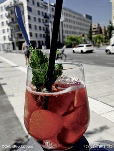 Moscow Mule Mugs, Alcoholic Drinks, Tableware, Food, Dinnerware, Tablewares, Essen, Liquor Drinks, Meals