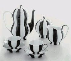 }A{ Tim Burton style, Burtonesque tea set