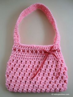 Bobble-licious Bag ~ Directions: http://www.hellospeckless.com/free-crochet-pattern-bobble-licious-bag/