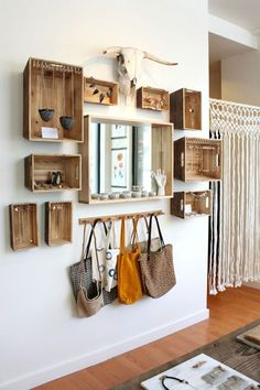Modern wooden wall decoration in a rustic style - Moderne Wanddeko aus Holz im rustikalen Stil hallway furniture wooden boxes diy project … # fresh ideas Hallway Furniture, Diy Furniture, Upcycled Furniture, Furniture Projects, Rustic Furniture, Bedroom Furniture, Fireplace Furniture, Automotive Furniture, Automotive Decor