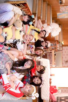 twice; what is love Kpop Girl Groups, Korean Girl Groups, Kpop Girls, K Pop, Twice Jyp, Tzuyu Twice, Twice What Is Love, Desu Desu, Twice Photoshoot