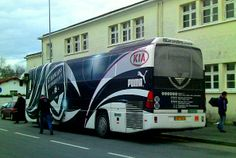 American Mom in Bordeaux - Blending Cultures: Who's really riding in that bus....L'equipe de Football (Soccer) or Classe de Neige?