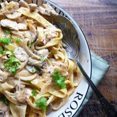 Pollo e Funghi Tagliatelle - Tagliatelle pasta in a chicken, mushroom and sun dried tomato sauce with Parmesan and creme fraiche.