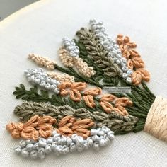 Dmc Embroidery Floss, Embroidery Needles, Embroidery For Beginners, Embroidery Kits, Handmade Embroidery Designs, Hand Embroidery Patterns Flowers, Embroidered Quilts, Flower Tutorial, Give Thanks