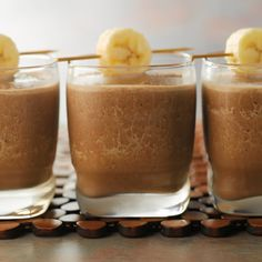 You'll love the flavor combinations of chocolate, peanut butter and banana in this easy-to-make shake because it tastes great and is a good source of both calci Peanut Butter Shake, Chocolate Peanut Butter Smoothie, Peanut Butter Banana, Creamy Peanut Butter, Chocolate Flavors, Smoothie Drinks, Smoothies, Summer Drink Recipes, Shake Recipes