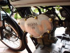 本日ようやく「真鍮マイナスボルト」を装着。 なかなか良い雰囲気になりましたよ。 http://blog-001.west.edge.storage-yahoo.jp/res/blog-9d-eb/nouvellemasa/folder/86...