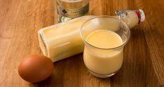 Húsvétkor a házi tojáslikőr sem maradhat el, így elkészítettük a tökéletes receptet! :) Egyszerűen mennyei finom!