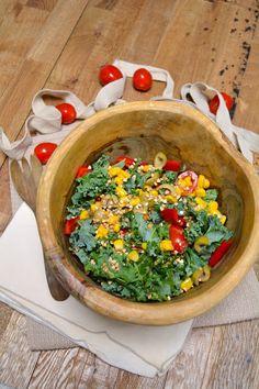 Rosenoisettes: Salade crue de chou kale, tomates, poivrons, maïs ...