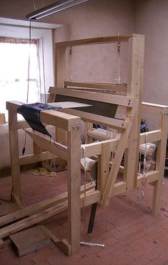 wellnessformakers; Rebecca Mezoff, studio in El Rito, New Mexico, Rio Grande standing loom