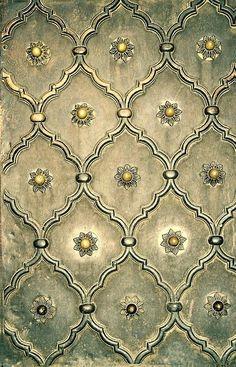 Add detail to raised stencil and plaster Decoupage Vintage, Decoupage Paper, Silver Wallpaper Bathroom, Damask Wallpaper, Patterns Background, Pattern Art, Pattern Design, Gold Pattern, Inspiration Wand