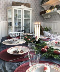 "🍃 Annas Lantliga 🍃 on Instagram: ""🍃🍃❤️🍃🍃 Grenljus made with love by me 🥰 #grötfrukost#juldukning#lantligjul#lantliv#lantligthem#lantligt#grenljus#fyrklövern#underbaraboning"" Sweden, Holiday, Christmas, Table Settings, Anna, Interiors, Instagram, Home, Xmas"