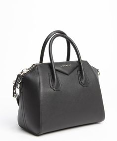 One of Miranda Kerr's favorite carry-all! #Givenchy