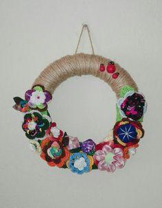 Grinalda com flores Crochet Necklace, Jewelry, Dressmaking, Flowers, Jewlery, Jewerly, Schmuck, Jewels, Jewelery