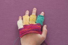 How to make fingerless gloves. Half Finger Glove - Step 10