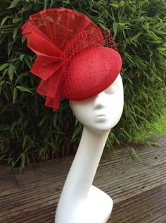 Red Alert Susan Fage Millinery - How To Make Hats Millinery Classes Facinator Hats, Sinamay Hats, Millinery Hats, Fascinator, Red Hat Club, Hats In The Belfry, Red Hat Society, Western Hats, Pamela