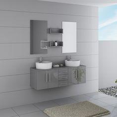 Sobre et moderne, cet ensemble de salle de bain est composé d'un meuble double vasque gris, de deux miroirs et de deux étagère pour poser vos produits de beauté.