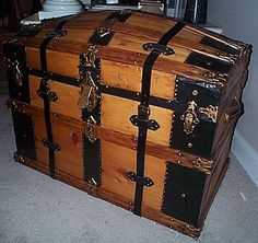 Camelback trunk. Beautiful condition!