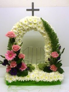 Funeral arrangement with arch and gates Altar Flowers, Church Flowers, Funeral Flowers, Silk Flowers, Wedding Flowers, Arrangements Funéraires, Funeral Floral Arrangements, Contemporary Flower Arrangements, Unique Flower Arrangements