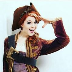 @rioburak: So, there are still photos from @lindseystirling's…                                                                                                                                                                                 Más
