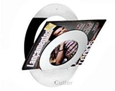 Porta revistas Inox Bola Uno para pendurar na parede. Aço escovado.  Altura: 292mm  Largura: 120mm  Comprimento: 250mm