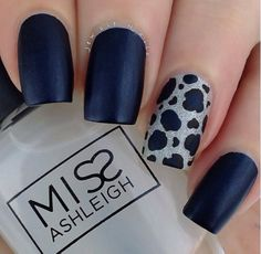 Navy matte finish with sparkly leopard accent nail. Love this