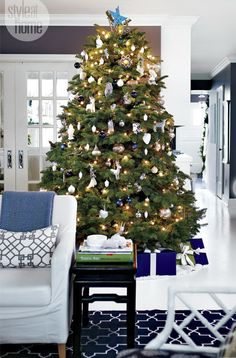 Blue and white Christmas Gallerie B