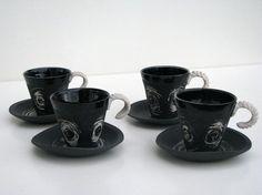"Semka Debals  Tasses à café ""Spirale galactique""    http://www.alittlemarket.com/vaisselle-verres/tasse_a_cafe_noir_spirale_galactique_-2116509.html"