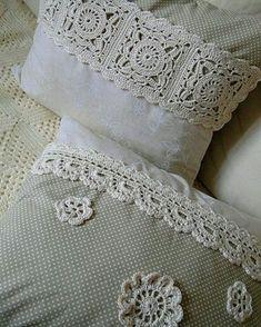 Háčkované polštáře – Knitting and crocheting Crochet Cushion Cover, Crochet Cushions, Crochet Pillow, Sewing Pillows, Diy Pillows, Patchwork Cushion, Crochet Home, Crochet Crafts, Crochet Projects
