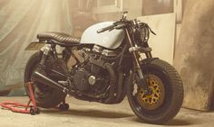 '92 Honda CB 750 SF - Almost too big/ugly to like but maybe that's the thing.