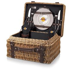 The Los Angeles Lakers Champion Picnic Basket with service for two