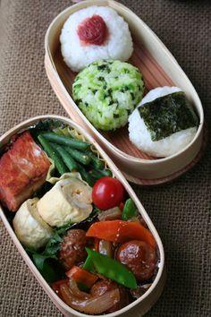 2012.06.21 酢豚とおにぎり弁当 / Bento of sweet and sour pork,  Japanese rolled omelet, rice balls:  That is a traditional Japanese boxed lunch. So beautiful & healthy!