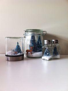 DIY dollar store anthropologie inspired salt shaker snow globe via popsicles and pinatas Deer Ornament, Globe Ornament, Christmas Ornament Crafts, Christmas Projects, Holiday Crafts, Holiday Ideas, Glitter Ornaments, Diy Ornaments, Holiday Style